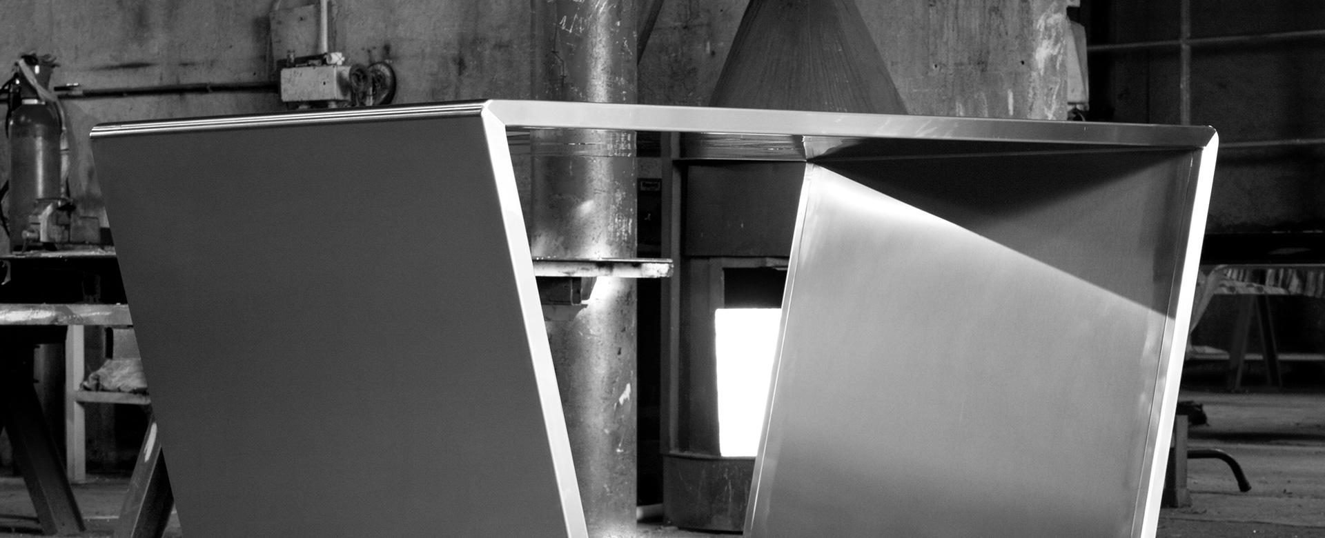 tavolo_design_acciaio